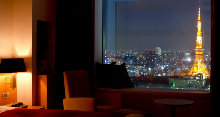 ParkHotelTokyo-CityQueenRoom-with-tokyotowerview1_1440x768