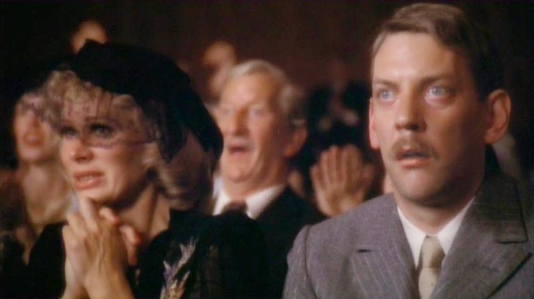 The-Day-of-the-Locust-Karen-Black-Donald-Sutherland-1975