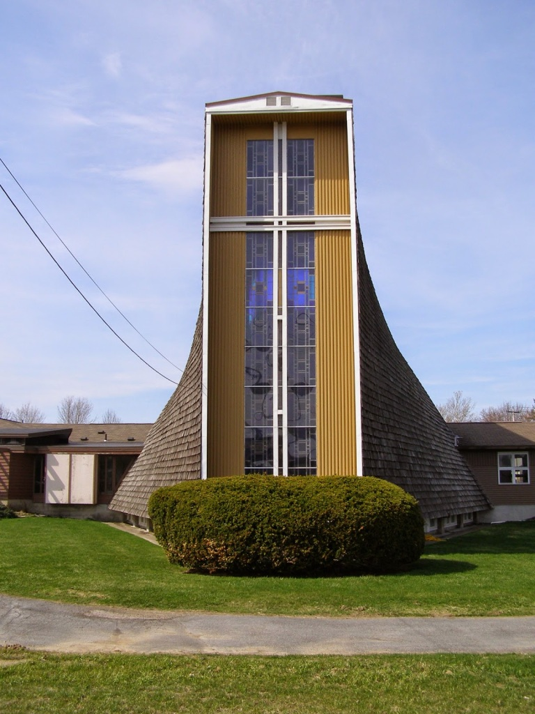 Camillus_NY_St_Lukes_Episcopal_church_Crenshaw_&_Folley_archs_photo_S_Gruber_2014 (3)